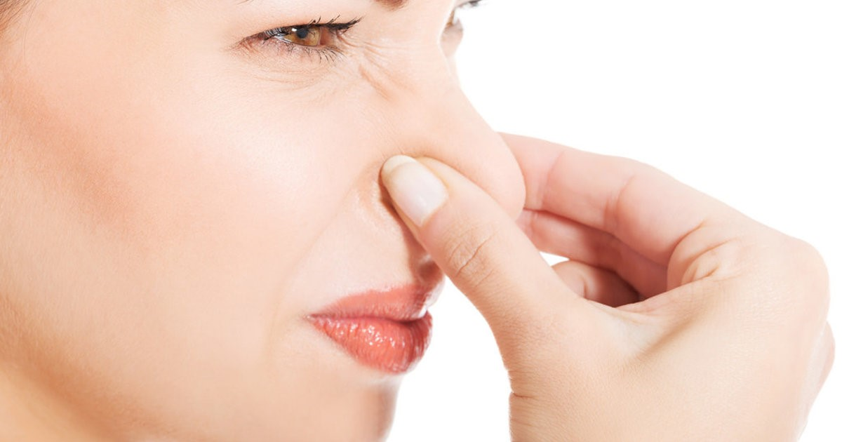 Запах без выделений у женщины в интимной зоне